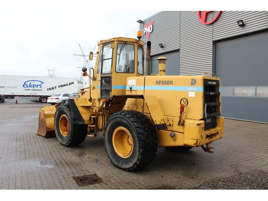 Used Dresser 520 B Pay Loader 4x4 Wheel Trucksnl