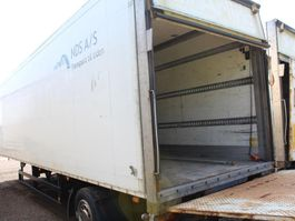 closed box semi trailer Schmitz Cargobull 1 aksl. city Trailer 2003