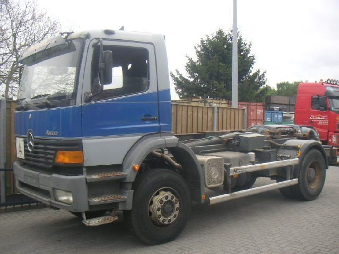 mercedes-benz atego 1823 haak huffermann | container truck - trucksnl  trucksnl
