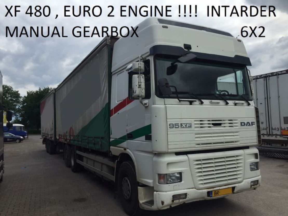 closed box truck > 7.5 t DAF Euro 2 , 480 HP manual gearbox intarder 817000 km holland truck 2000