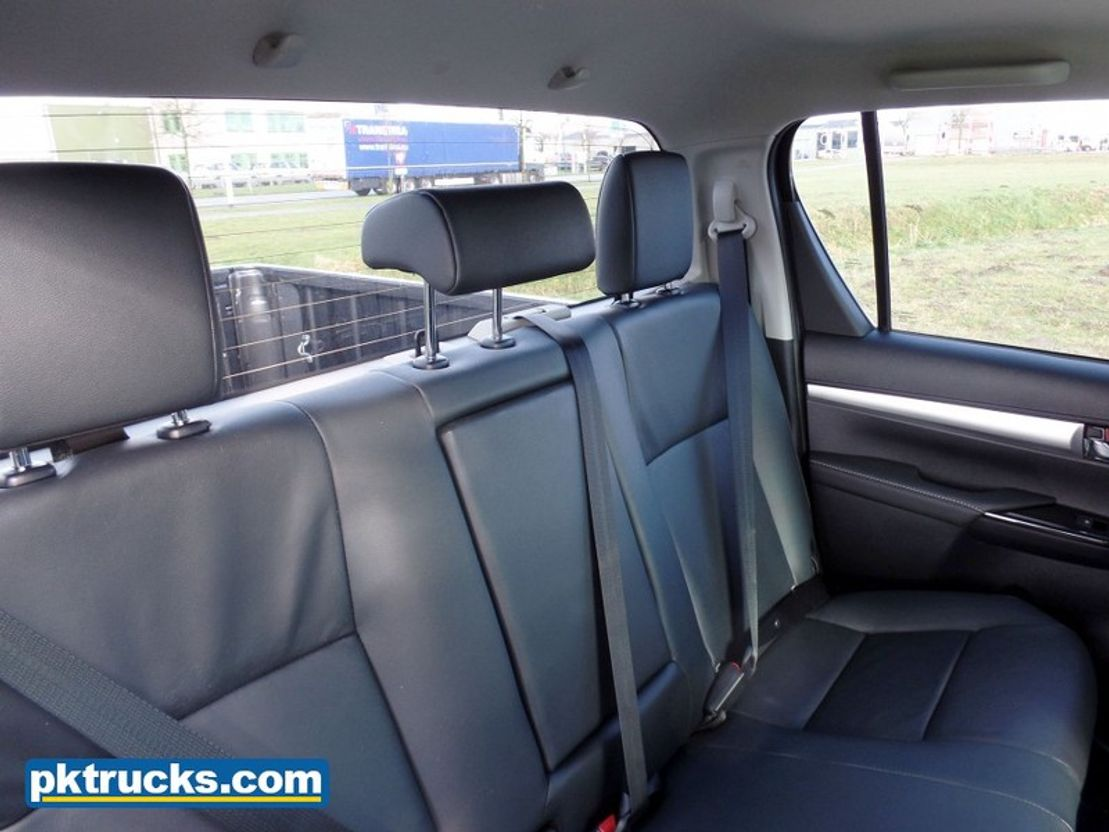 Toyota Hilux Double Cabin Executive 8 Units Pickup Passenger Car Trucksnl