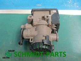 Brake system truck part MAN 81.52106.6047 EBS Remventiel