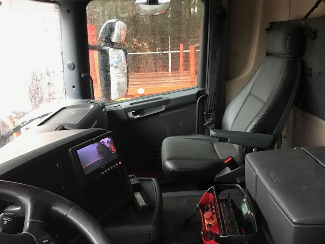 caminhão guindaste Scania R440 8X2*6 2010