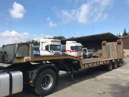 lowloader semi trailer Robuste Kaiser 3 AXLES WITH WINCH 1989