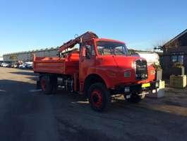 camion à benne basculante MAN 15.192 4x4 Tipper + Crane 1982