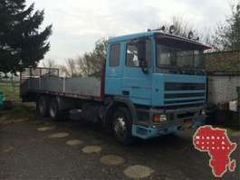camión plataforma DAF 95 ATI 360 6X2 Stake Body LIFT 1991