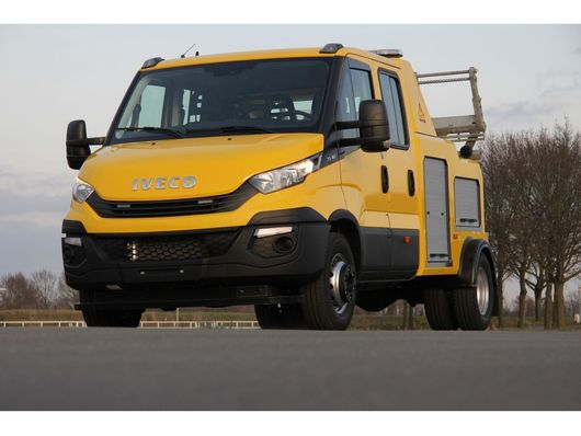 tow-recovery truck Iveco FAW 3000