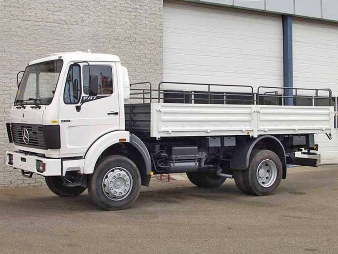 platform truck Mercedes Benz 1017