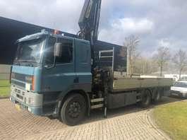 camión grúa DAF 85 CF 2000