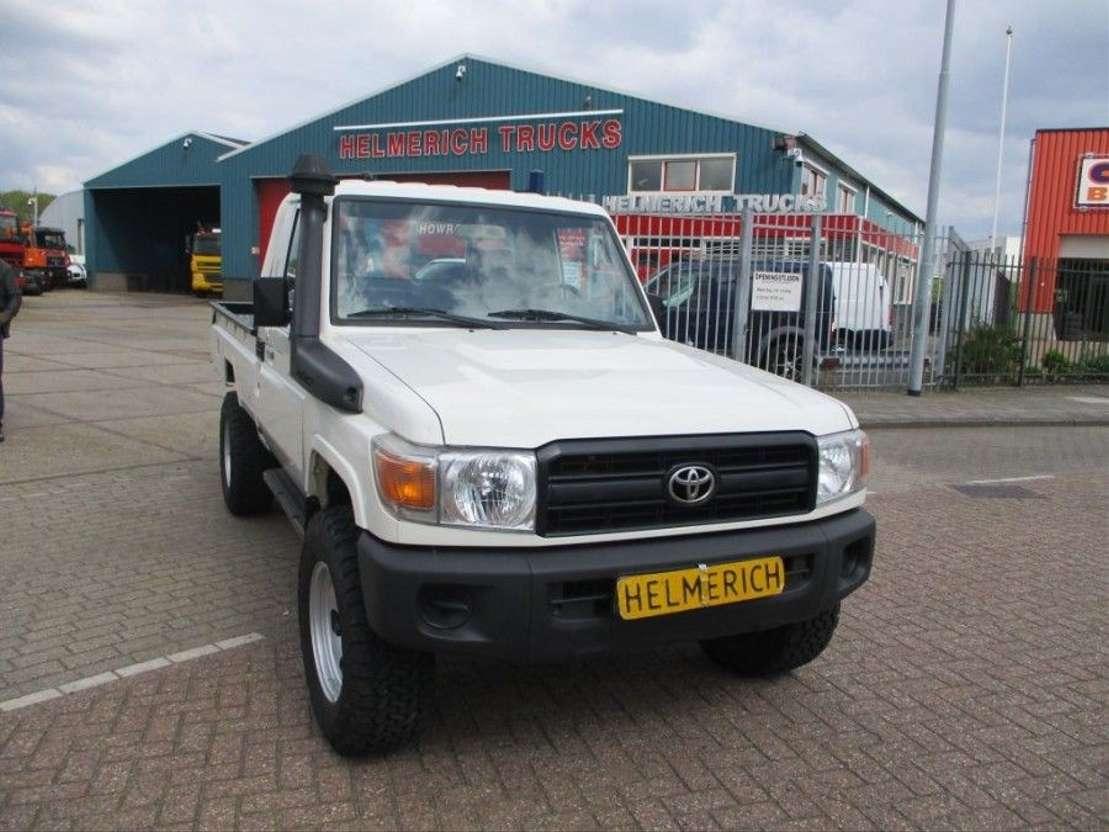Toyota Turbo Diesel Truck >> Toyota Hzj79 Landcruiser 4 2 Turbo Diesel Pick Up Pickup Lcv Trucksnl Com
