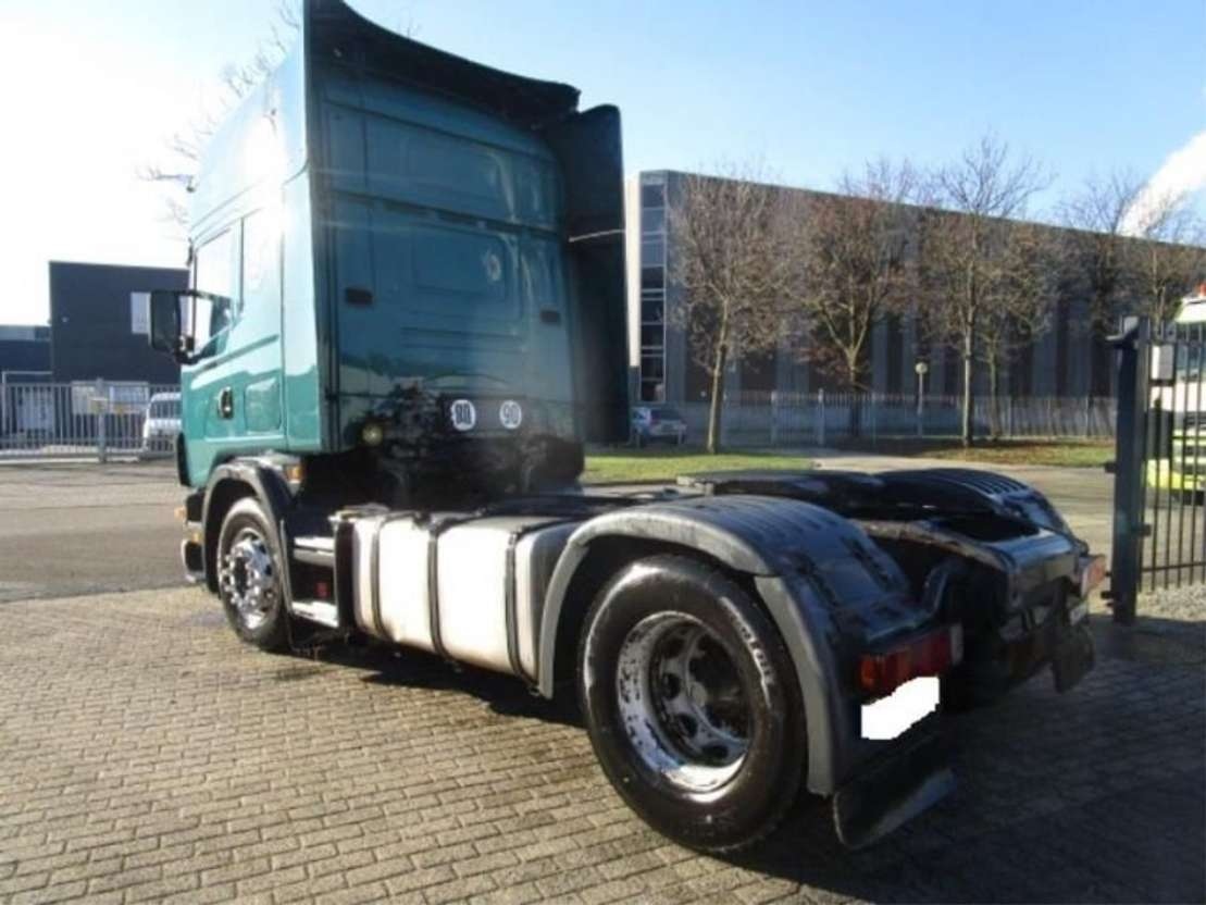 tracteur standard Scania SCANIA 124/420   MANUEL-GEARBOX 2004