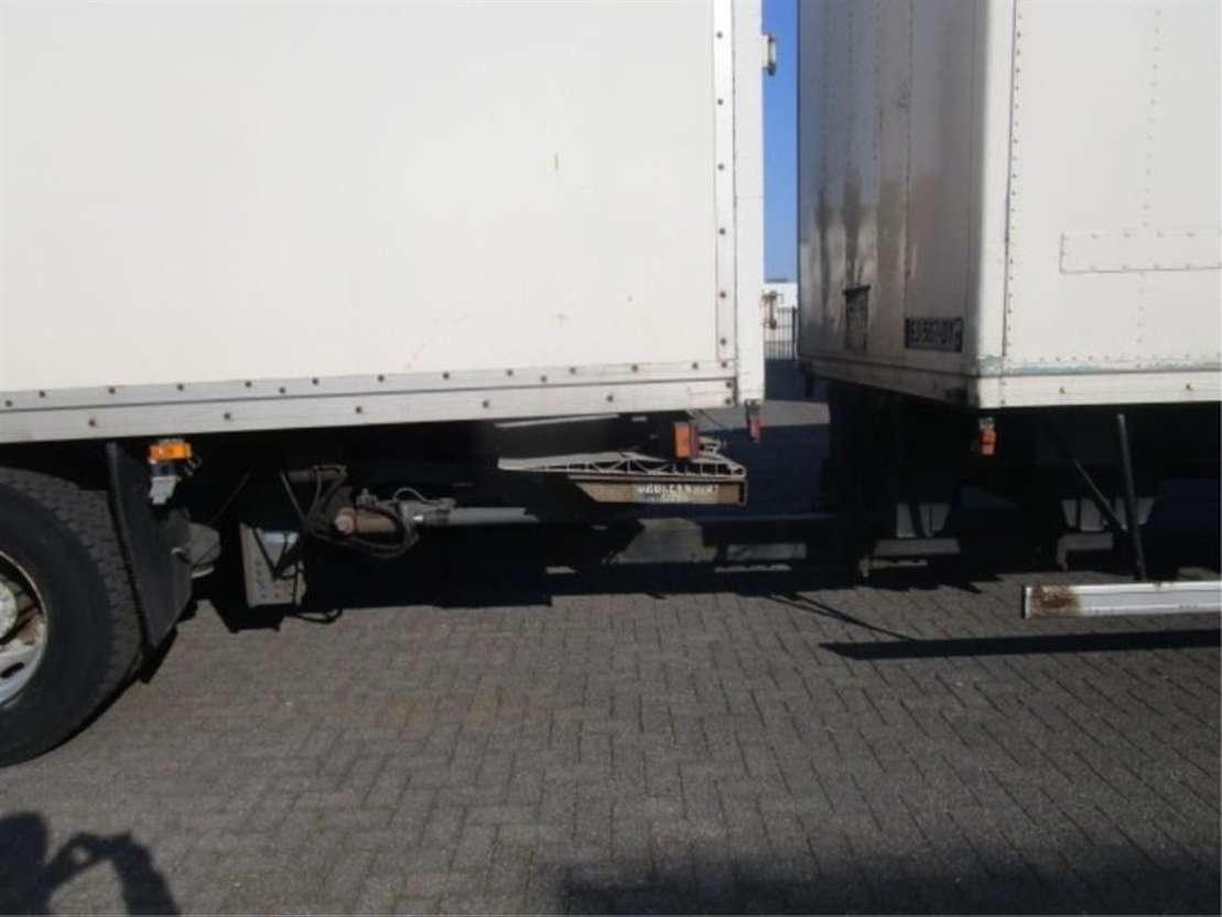 closed box truck Mercedes Benz 1833 LL 4X2 2003