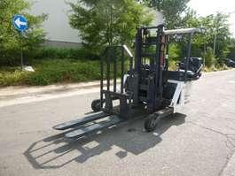 carretilla elevadora montada en camión Moffet M1 2009