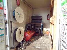 closed box car trailer Hapert K 2001
