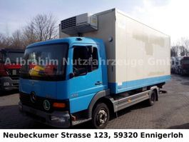 refrigerated closed box lcv Mercedes-Benz 815 Thermoking Kühlung LBW