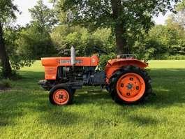 compact tractor Kubota L2201