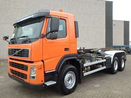 Container-LKW Volvo FM 26.420 + Chain system + Airco 2002