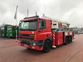camión grúa montada en brazo DAF CF 85 - 380 2000