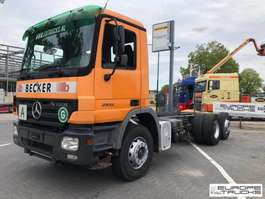 chassis cab truck Mercedes Benz Actros 2532 Steel/Air - German truck - Hub reduction 2003