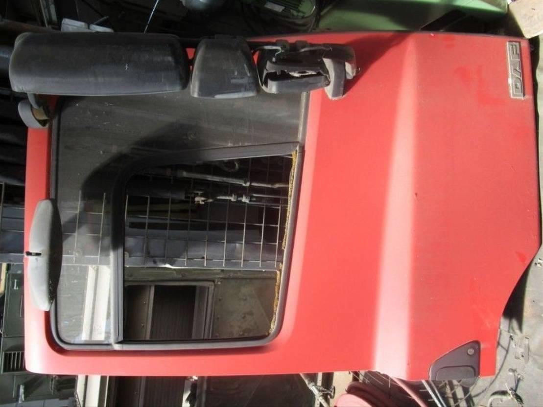Door truck part DAF CF 75 / CF 85  portieren  L+R 2001