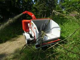 лесной трактор Anhänger Schlegelhäcksler BUGNOT BVN56DIXL 2018