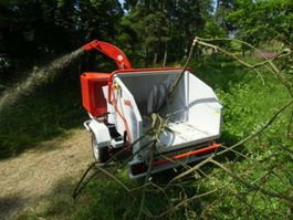 tractor forestal Anhänger Schlegelhäcksler BUGNOT BVN56DIXL 2018