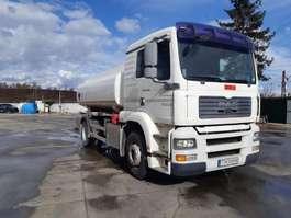 camión cisterna MAN 18.360 top 2003