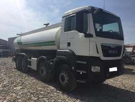 camión cisterna MAN 41.400 8x4  E6 wassertank 2016