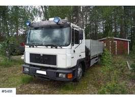 crane truck MAN 15 232 med Hiab 071 RW Kran 1993