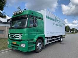 camión de caja cerrada Mercedes Benz axor 1824 L euro 5 bj 2010 2010