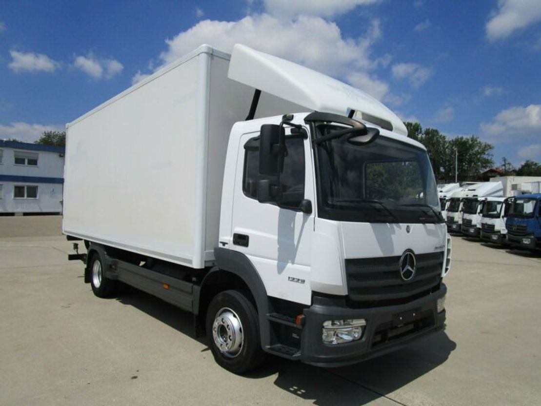 closed box truck > 7.5 t Mercedes Benz ATEGO IV 1223 L Koffer 6,10 m LBW BÄR 1,5 to. 2014