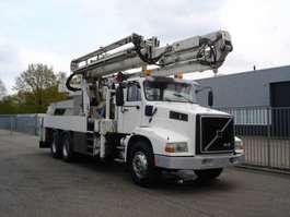 camion grue Volvo NL12-420 - 6X4 60 TONS CRANE TRUCK 1991