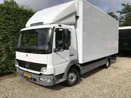 camión de caja cerrada Mercedes Benz ATEGO 815  Manuel 6  BLAD/BLAD 2005