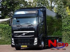 closed box truck > 7.5 t Volvo FH 500 Globetrotter 6x2 Liftas 2014