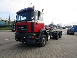 chassis cab truck MAN 6x4 2001