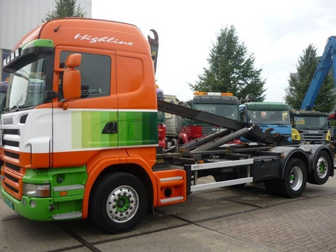 container truck Scania R420 6x2 Highliner Hooklift 2006
