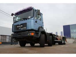 container truck MAN 41.360 VF - 8X4 + système conteneur (2013) 2002