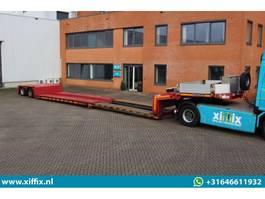 lowloader semi trailer Goldhofer 2-ass. Uitschuifbare dieplader // 2x gestuurd 2011