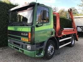 camión contenedor DAF 75.240 ATI PORTAAL NOOTEBOOM 1996