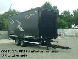 sliding curtain trailer Kögel 2 As Middenas aanhanger Schuifzeilen met vast dak + verstelbare boom 2004