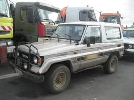 voiture particulière tout-terrain – 4x4 Toyota Land Cruiser 1988