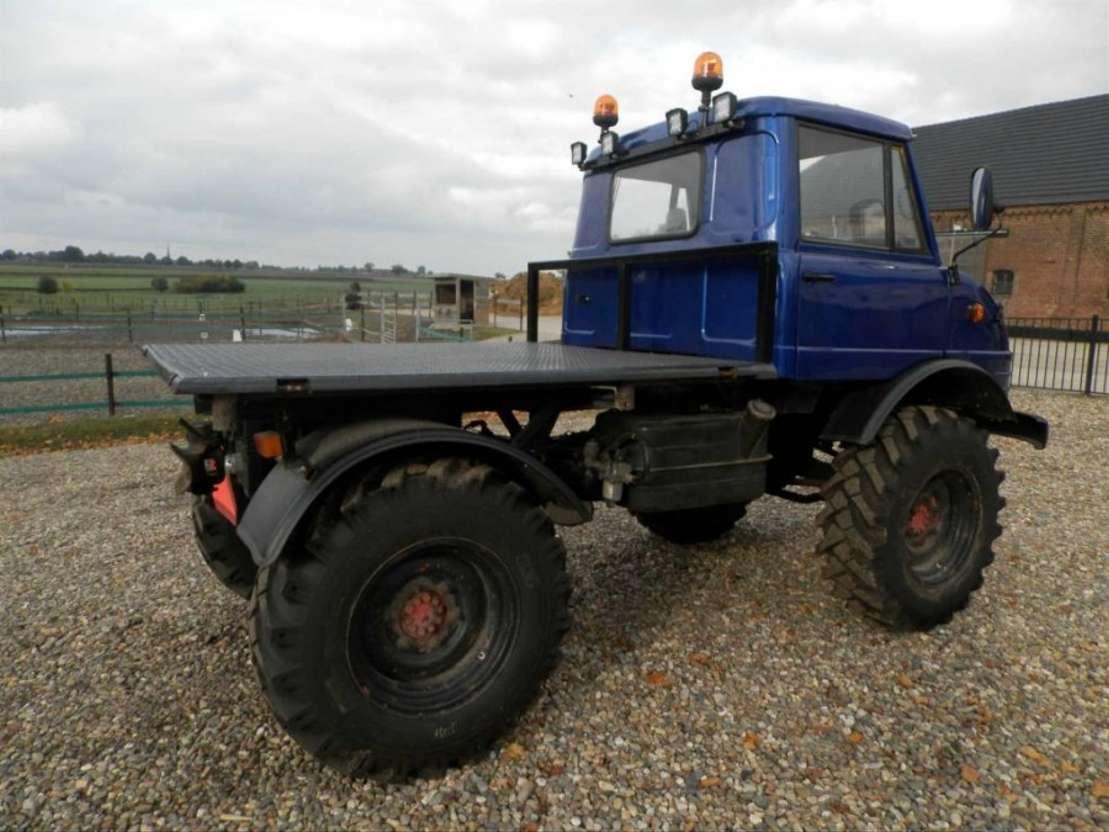 autre tracteur fermier Unimog Unimog 1974