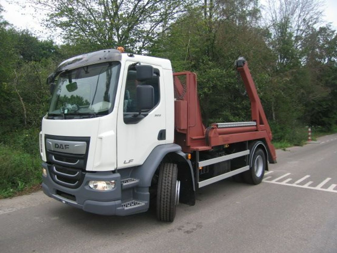 container truck DAF LF 2020