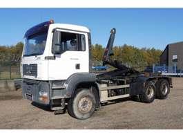 camion conteneur MAN TGA 33.350 - 6x4 - 270.970 Km - KORTE WIELBAISIS - CONTAINERHAAK 2005