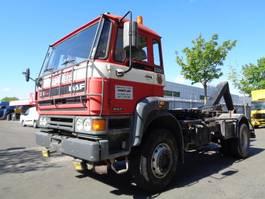 camión contenedor DAF FAV 23OO TURBO 4X4 1993