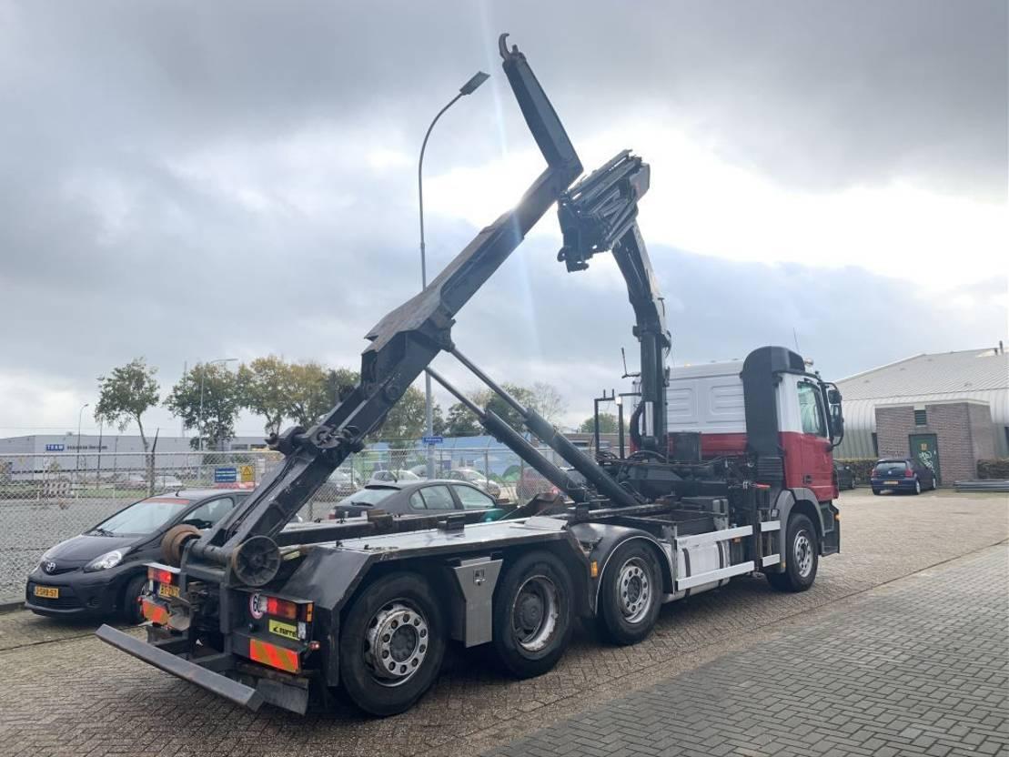 Container-LKW Mercedes-Benz Actros 8x2 HMF 22ton mtr Remote control crane hooksystem 2008