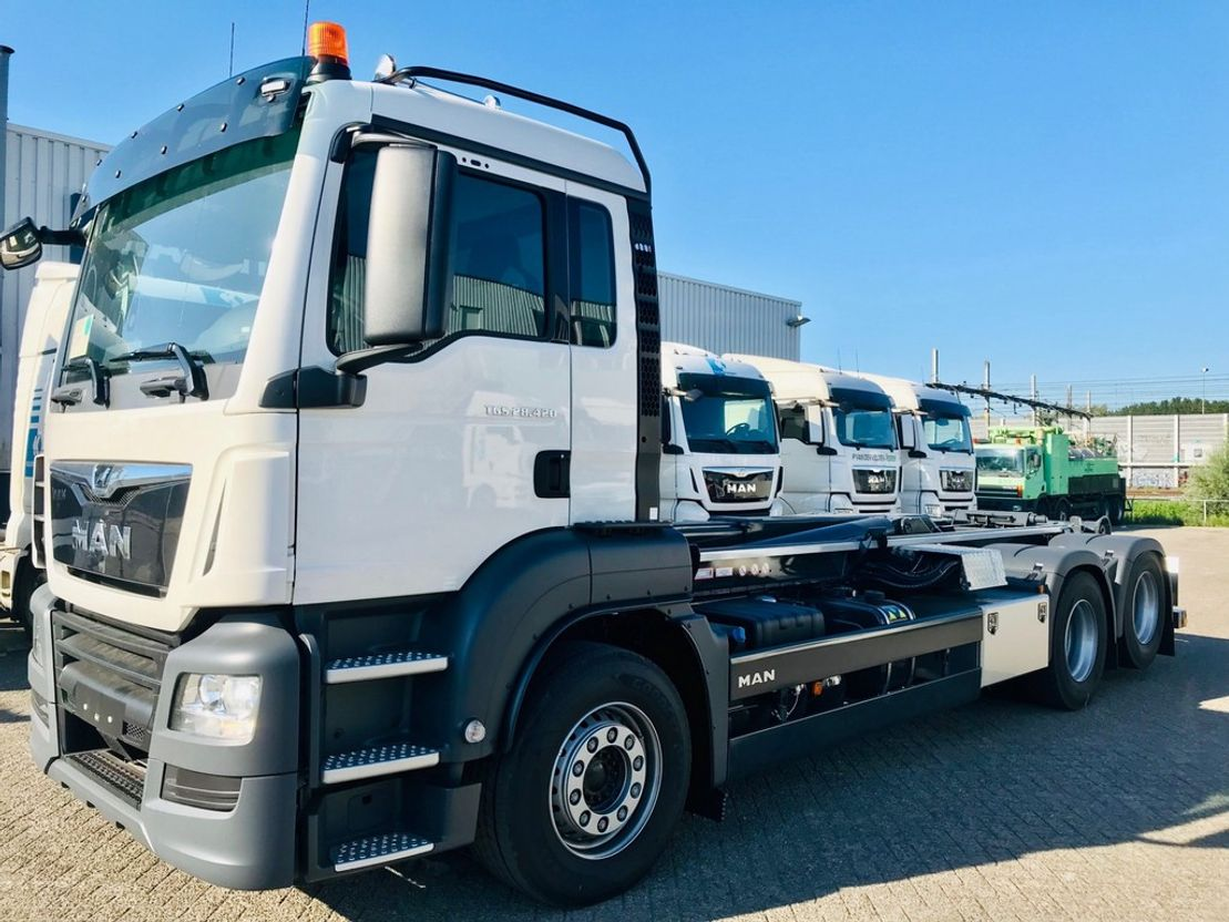 container truck MAN TGS 28.420 6x2-2 BL haakarm 2020