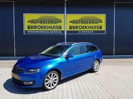 estate car Skoda Octavia Combi 1.4 TSI Greentech Elegance Businessline 2014