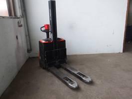 forklift BT SWE 080L - Batterie 35/2014 2009