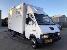 camião de caixa fechada Renault B120.35 1992